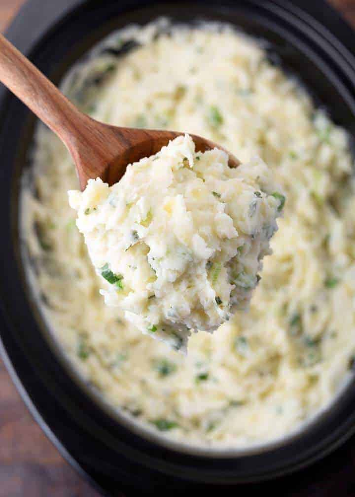 Slow Cooker Sour Cream Onion Mashed Potatoes